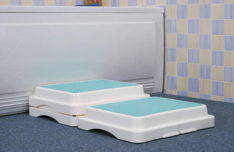 Savanah Modular Bath Step